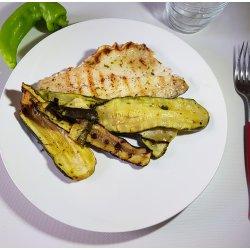 Branzino alla Griglia con Zucchine Grigliate 160 gr.
